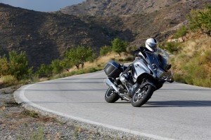 2014-bmw-r1200rt-looks-sharp-photo-gallery-720p-1